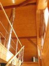 Pohled ze schodiště do podkroví